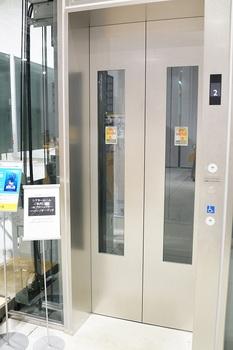 ソニーストアのエレベーター